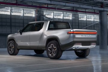 Here's How the Awesome Rivian R1T Camp Kitchen Works
