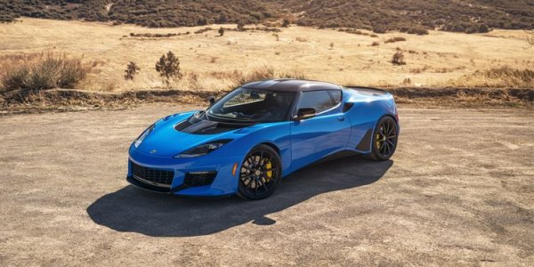 These Luxury Sports Cars Are Still Rocking Manual Transmissions
